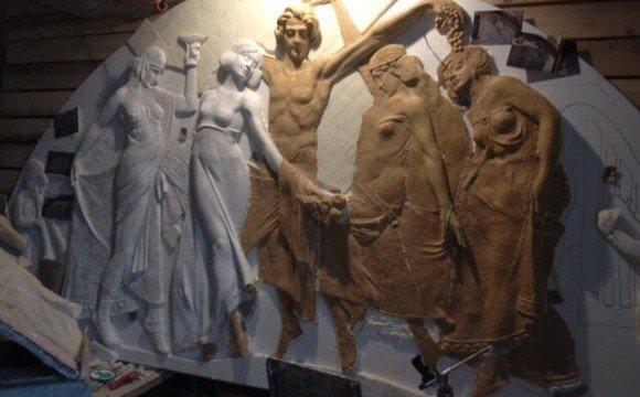 """Робота над скульптурною сценою """"Вакханалія"""""""