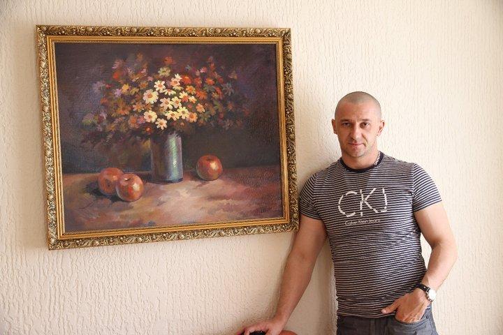 Іван Волошин з авторською роботою