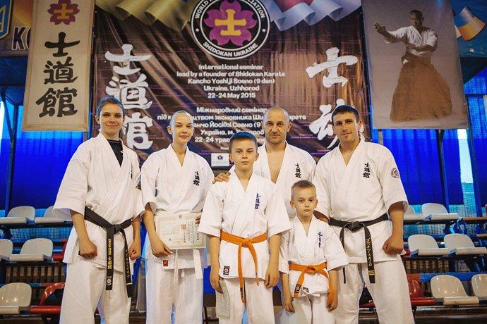 Іван Волошин і Тамара Готра з синами та родиною Годинців